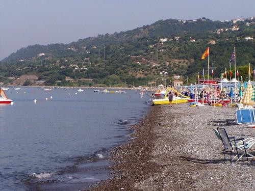 Risultati immagini per spiaggia villammare